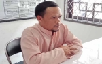Pria Ini Ditinggal Istri Mudanya Karena Mencuri Sarang Walet