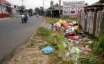 Sejumlah Masyarakat Kuala Pembuang Masih \\\'Hobi\\\' Buang Sampah Sembarangan