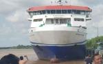 KMP DrajatPaciranBerlabuh ke Pelabuhan Sei Tunggul