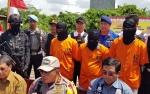 Tiga Pembalak Hutan Diamankan Bersama 800 Potong Kayu Ilegal