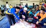 Dinas PUPR Barito Utara Juga Bagikan Daging Kurban