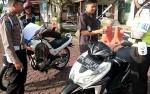 Kasat Lantas Polres Barito Utara Cek Kelengkapan SIM dan STNK Anggota Polisi
