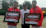 Gubernur Serahkan Bonus untuk Atlet Kalteng Peraih Medali di Asian Games 2018
