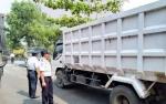 Dinas Perhubungan Setop Truk Angkutan Tanpa Penutup Terpal