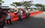 Penggalan Tikungan di Jalan Adonis Samad Ditutup untuk Cegah Pengendara Lawan Arus