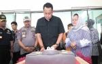 Tiba dari Palu di Bandara Tjilik Riwut, Kapolda Kalteng Dapat Kejutan Hari Ulang Tahunnya