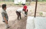 Polisi Masyarakat Polsek Kapuas Murung Turut Awasi Pelaksanaan Dana Desa