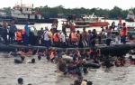 Ribuan Masyarakat Padati Sungai Mentaya Ikut Mandi Safar