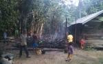 Kebakaran Rumah di Siang Hari Gegerkan Warga Desa Anjir Mambulau