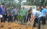 Bupati Lamandau Resmikan Program Replanting Sawit di Sematu Jaya