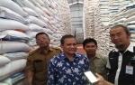 Staf Khusus Kementerian Perdagangan Sidak Bulog Jelang Hari Natal di Palangka Raya