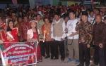 Lepas Peserta Parade Lilin Natal, Wabup Lamandau Sampaikan Pesan Perdamaian