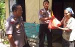 Polsek Cempaga Hulu Sambang Warga Kurang Mampu dan Lansia
