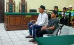 Dua Pemuda Jambret Dituntut 2,5 Tahun Penjara