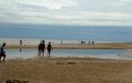 Meski Cuaca Ekstrim, Penginapan di Pantai Ujung Pandaran Tetap Penuh