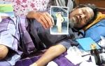 Kakek Sunawi Hidup Sebatang Kara dan Sakit Butuh Uluran Tangan