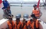 Satpolair Polres Kapuas Susur Sungai Bersama TK Kemala Bhayangkari