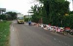 Meski Raih Adipura, Tumpukan Sampah Sepanjang 10 Meter Masih Terjadi di Jalan