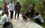Anggota Polsek Kapuas Hilir Lakukan Monitoring DD Bersama Instansi Terkait di Desa Bakungin