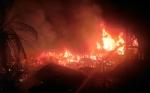 Diperkirakan 20 Rumah di Kawasan Tugu Soekarno Ludes Dilalap Api