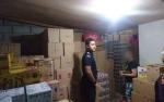 Petugas Bea Cukai Pulang Pisau Tertibkan Penjual Minuman Keras Tidak Berizin