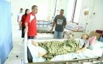Bupati Seruyan Kunjungi Pasien RSUD Kuala Pembuang