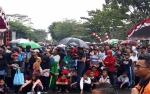 Meski Gerimis, Warga Kapuas Tetap Ikuti Jalan Sehat Milenial Safety Road Festival