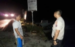 Anggota Polsek Bukit Batu Tetap Siaga Meski Debit Air Masih Normal
