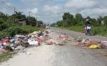 Tumpukan Sampah Meluber ke Jalan, Pancing Komentar Warganet Pangkalan Bun