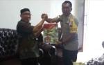 Kapolres Katingan Serahkan Bingkisan ke Tokoh Masyarakat Pendukung Tugas Polri