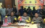 Polisi Buru Dua Buronan Pencurian Sarang Walet