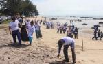 Ditpolair Polda Kalteng Bersihkan Pantai Ujung PandaranPeringati Hari Peduli Sampah