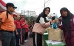 Istri Gubernur Kalteng Serahkan Bantuan Tong Sampah untuk Sekolah