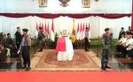 Pejabat dan Tokoh Beri Penghormatan ke Almarhum Reinout Sylvanus