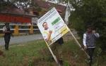 Bawaslu Kotawaringin Barat Tertibkan Alat Peraga Kampanye