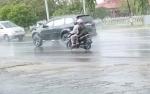 Waspada Berkendara Saat Hujan Deras