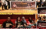 Keluarga Besar Polres Katingan Nobar Film Pohon Terkenal