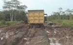 Warga Keluhkan Jalan Gohong-Bahaur Rusak Makin Parah