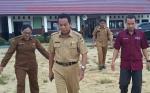 Kadisdikbud Kabupaten Gunung Mas Tinjau Pelaksanaan USBNBK di Sejumlah SMP