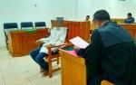 DitolakPerempuan, Kakek Tua Duduk di Kursi Pesakitan