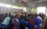 Personel Polsek Kapuas Hilir Imbau Aparatur Desa Saka Batur Jaga Netralitas