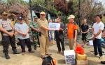 BPBD Kapuas Salurkan Bantuan Kepada Korban Kebakaran Dua Rumah di Desa Supang