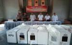 Anggota Kodim Muara Teweh Amankan Rapat Pleno Rekapitulasi