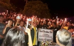 Rektor Universitas Palangka Raya Ikut Nyalakan Lilin Duka Tewasnya Tiga Mahasiswa Tersambar Mobil Oknum Perwira
