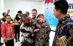 Ketua DPRD Barito Utara Terima Pin Emas Sahabat Pers