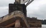 Tongkang Tabrak Jembatan Kalahien Harus Jadi Pelajaran