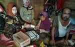 PKK dan Dinas Sosial Seruyan Santuni Warga Miskin