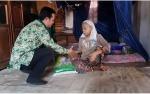 Penerima Zakat Beras H Abdul Rasyid AS di Tumbang Rungan Prioritaskan Lansia dan Janda