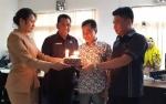 Unsur Pimpinan DPRD Kotawaringin Timur Kompak Beri Kejutan Ulang Tahun Ketua Komisi III