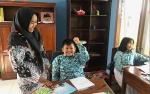 Guru SLBN 2 Pangkalan Bun Ini Anggap Pengajar Bukan Sekadar Profesi
